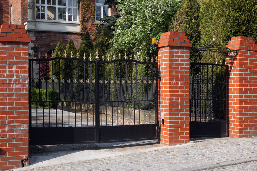 Thornton gate and fencing