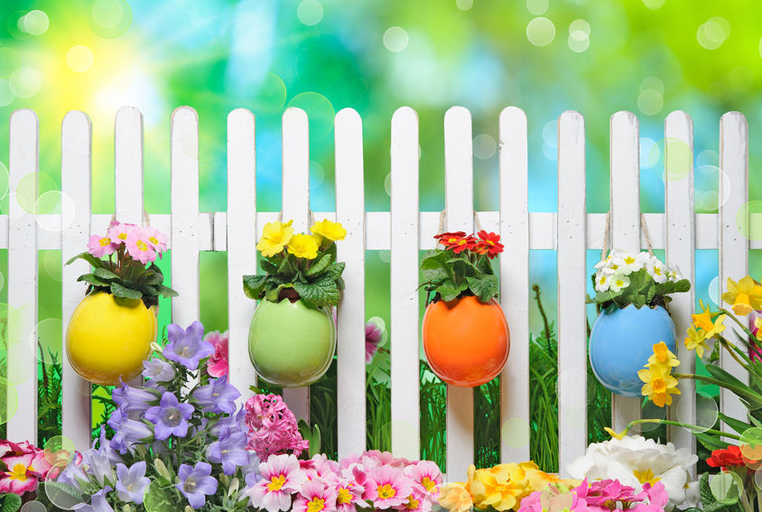 Metro Fence - decorated white picket fence