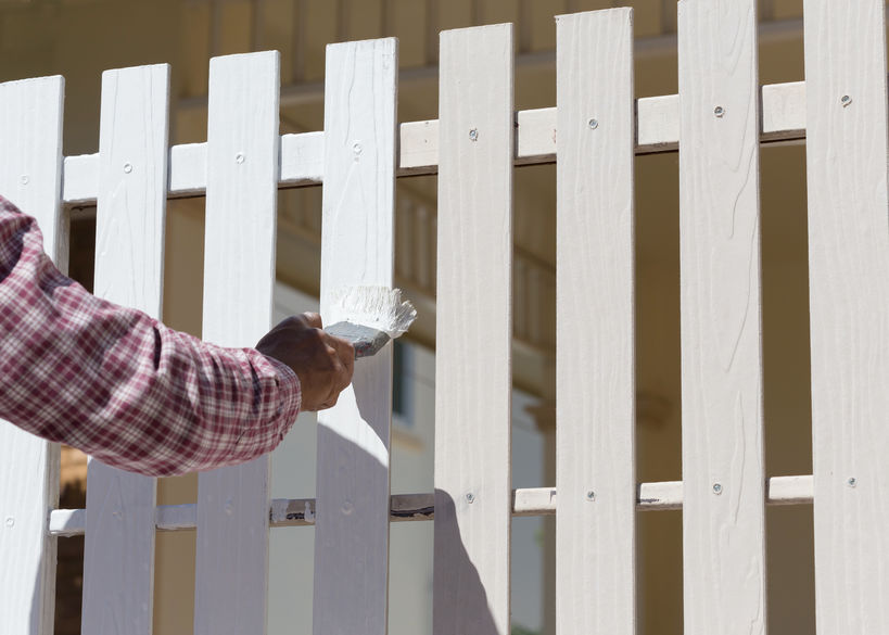 Painting a fence - tips from Metro Fence Company
