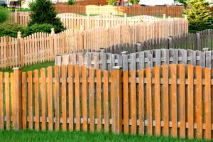 Fence repair Thornton CO authorities offer stain advice