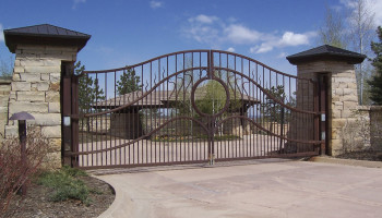 HySecurtiy SwingRisers with Large Ornamental Iron Gates (1)