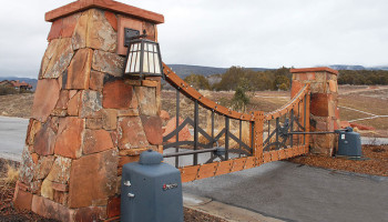 Mountain-Home-Dual-Swing-Gates-with-Operators