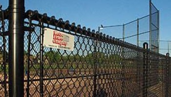 play-field-chain-link
