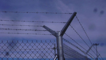 SBIRS-Fence-Project-7-Feb-11-Typical-barb-wire-at-corner-posts