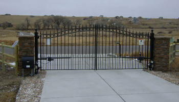 , Gates and Gate Operators, Metro Fence